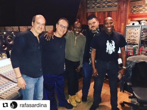 Rafa Sardina, Vinnie Colaiutta, Nathan East, Greg Philliganes in United Recording (AKA Ocean Way)